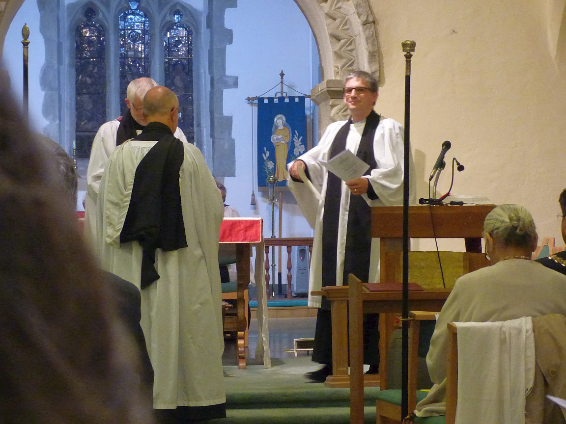 Archdeacon and Vicar to left, Area Dean to right